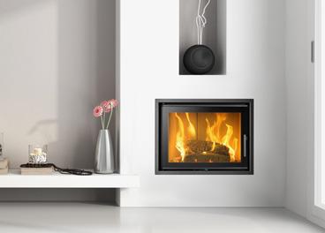 Kominki na drewno to doskonałe produkty do dogrzewania pomieszczeń. Blask naturalnego ognia i trzask spalanych polan to najpiękniejsza chwila, jaką możemy sobie podarować zimą.